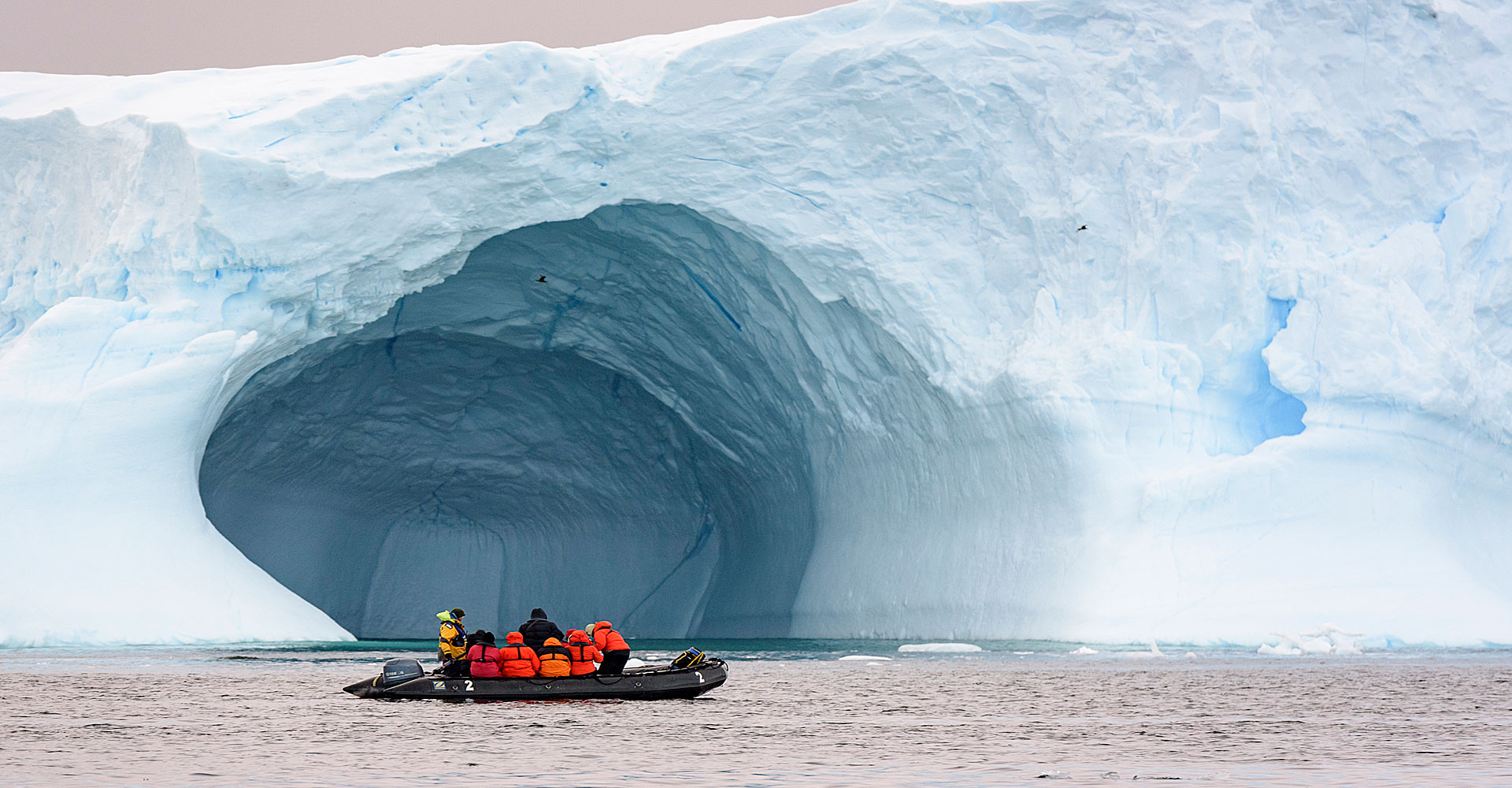 Antarctica-boat-expeditions