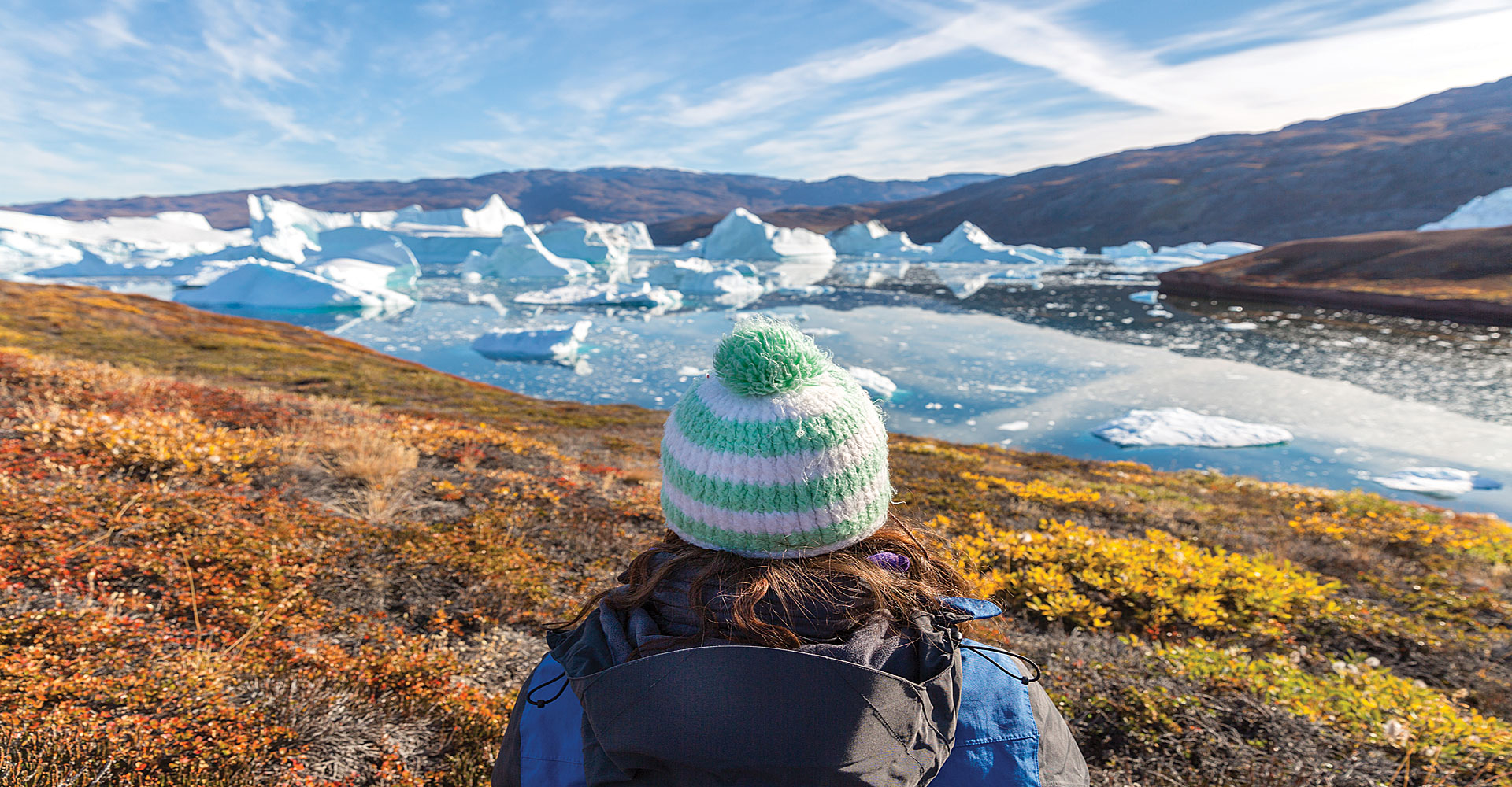 Luxury-arctic-boat-cruises-hiking